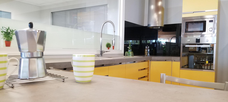 cdm troyes aube cuisine équipée jaune four micro-onde